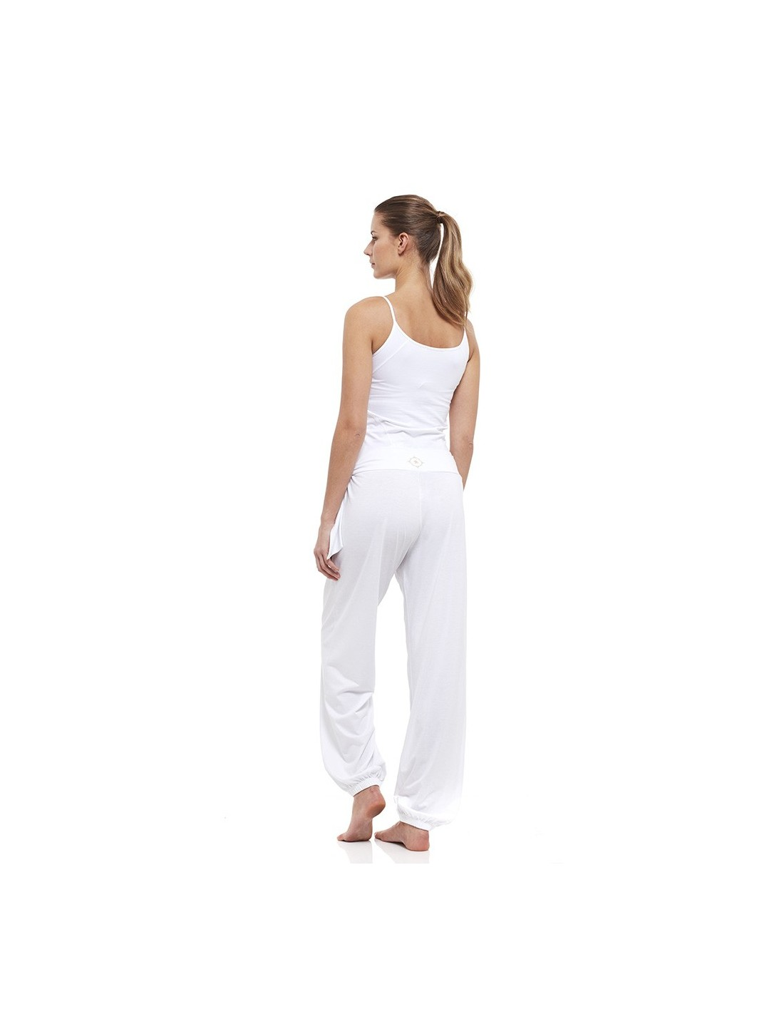 Outfit Young Yoga Top Harem Pants White
